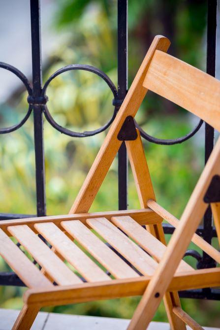 Комфортная опочивальня с балконом