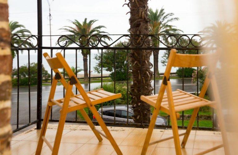 Двухместные двухкомнатные покои Люкс с балконом/без балкона